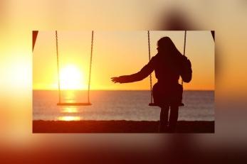 Loneliness-m-0313.jpg.900x0_q100_blur